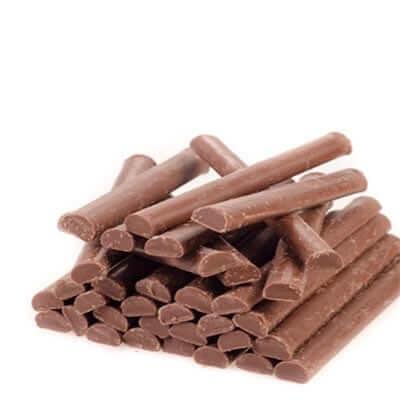 חומרי גלם לאפייה ולקונדיטוריה, אצבעות שוקולד חלב, מחיר למגוון משקלים, אלמנדוס - ייבוא וייצור חומרי גלם לאפייה ולתעשיית המזון