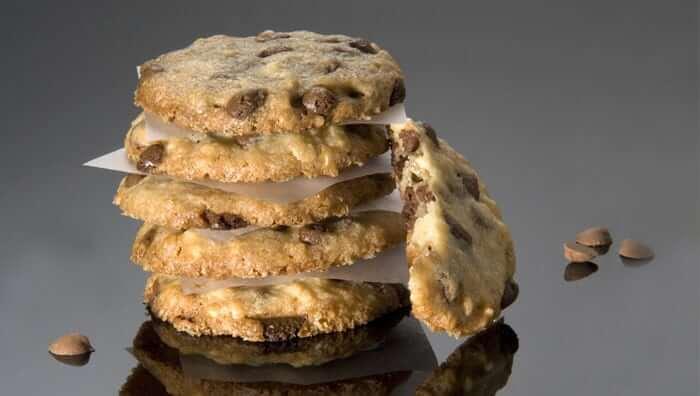 עוגיות אמריקאיות עם חתיכות נוגט